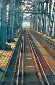 Jetzt ist die Hochbrücke zweigleisig. Foto: Stefan Fuhr
