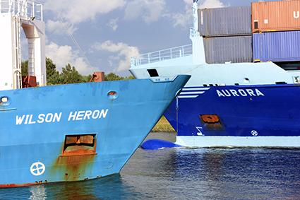 Schiffe im Nord-Ostsee-Kanal bei Rendsburg Foto: Stefan Fuhr