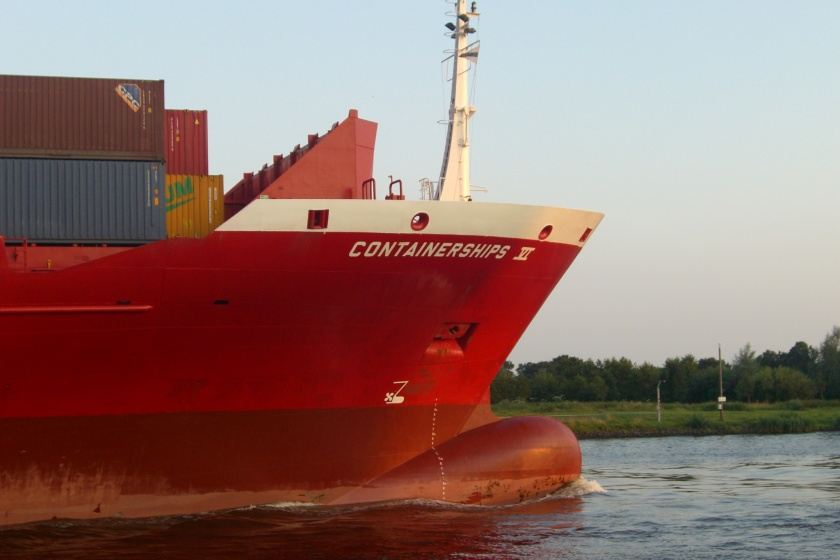 Die Containerships VI im Nord-Ostsee-Kanal.