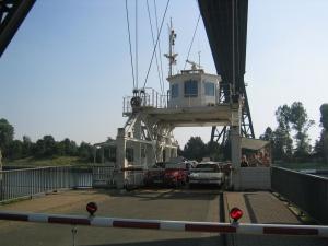 Die Schwebefähre in Rendsburg über den Nord-Ostsee-Kanal