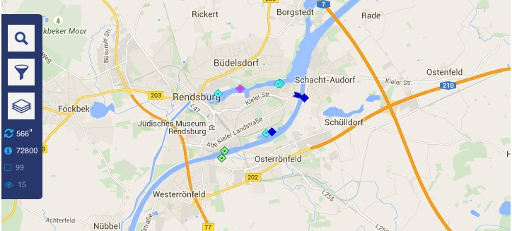Eine Google-Maps-Karte, auf der alle Schiffe mit AIS in dem Bereich zu sehen sind.