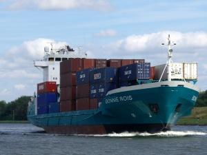 Feeder-Schiff Bonnie Reis im Nord-Ostsee-Kanal