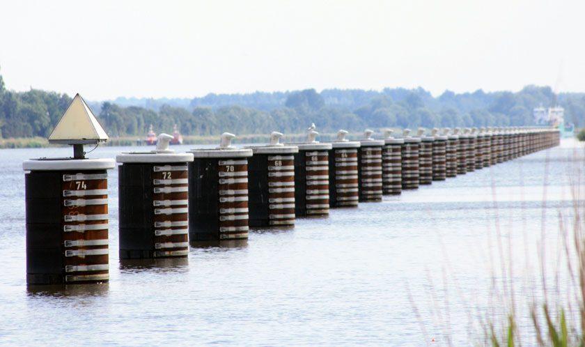 Salben finden sich in jeder Weiche im Nord-Ostsee-Kanal